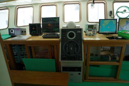 140 GT Tuna Long Liner Boat Cab