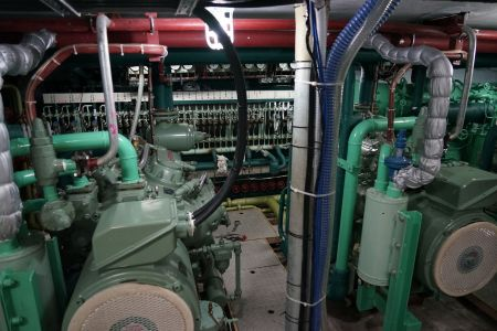 140 GT Tuna Long Liner Boat Main engine and generator set