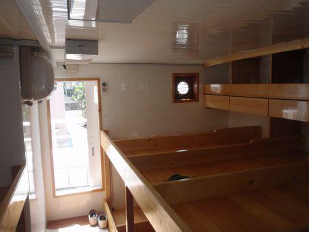140 GT Tuna Long Liner Boat Crew room
