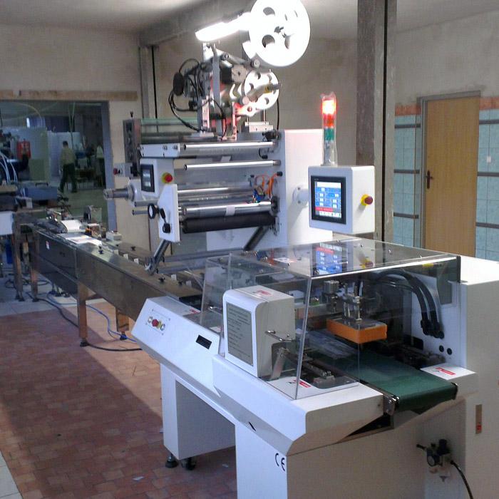 Machine d'emballage automatique de lingettes humides - Machine d'emballage automatique de lingettes humides
