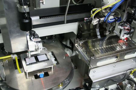 We dedicate ourselves to the highest quality in fiber optical industry.