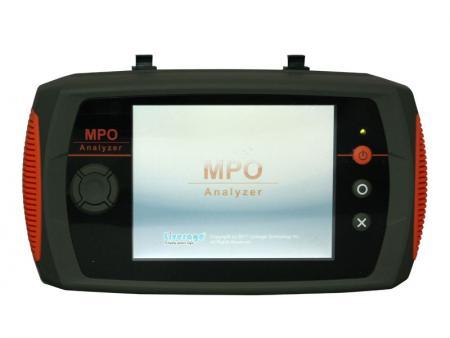 Analizator tłumienności wtrąceniowej MPO i analizator polaryzacji - MPO Analyzer może mierzyć straty wtrąceniowe patchcordu MPO i rejestrować 300 danych testowych.