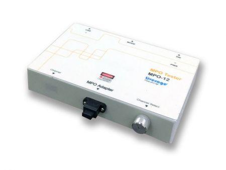 650nmの可視赤色レーザー光を備えたMPO欠陥テスター - MPOテスターは、MPOアレイ光ファイバーケーブルまたはコネクターの欠陥をチェックできます。