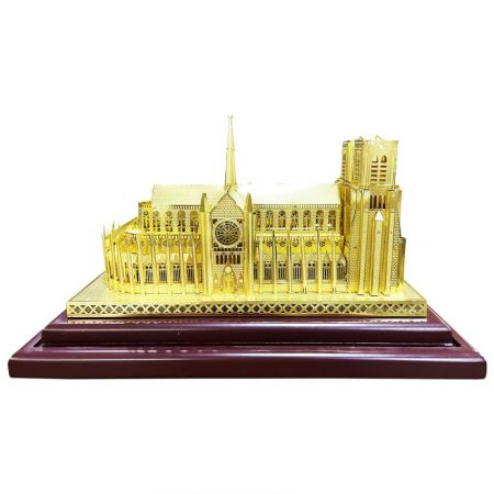 3D Miniature Models - Turn your idea into a keepsake, and make them to be on display.