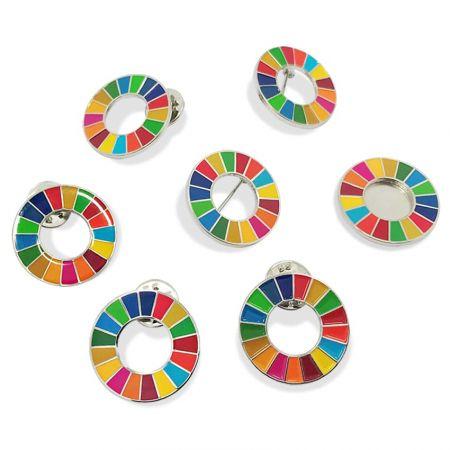 پین برگردان SDGs Design را باز کنید - با پین برگردان SDG، تعهد خود را به حمایت از کمپین نشان دهید.