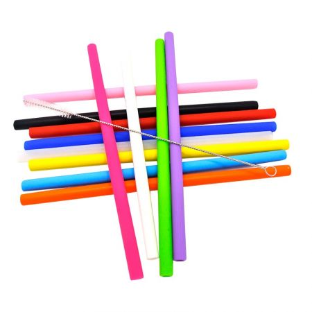 Reusable Silicone Straws - Feel safe to have a cup of hot chocolate with our silicone straws.