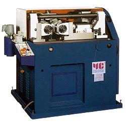 Máquina laminadora de roscas accionada por leva