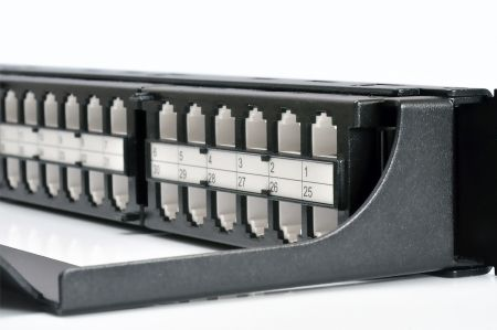 UTP Feed-Through - 48 port-1U feed-through panel with built-in wire management
