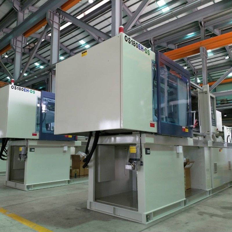 High-performance injection molding machine can improve production efficiency.