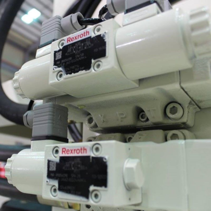 The injection machine adheres to the use of a high-quality hydraulic solenoid valve.