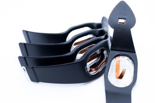 Das Silikonband für das Oximeter enthält einen Sensor, eine POM-Schnalle und einen PC-Rahmen.
