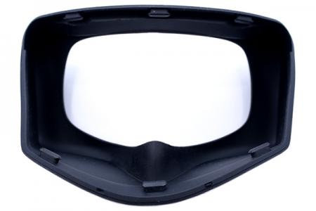 The injection molding technology can combine silicone and plastic frame to create this silicone goggle.