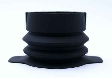 長度超過20公分的矽膠蛇管。