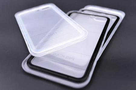 手機殼(塑膠與矽膠密封圈)。