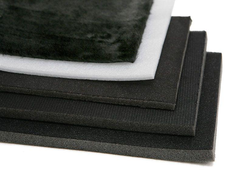 Diferentes forros y espesores para almohadillas de espuma.