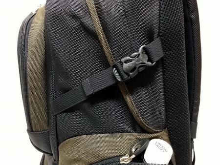 Adjustable side clips.