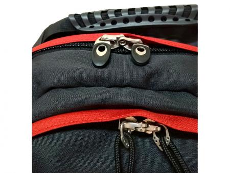 Lockable zippers for the main and front compartments.