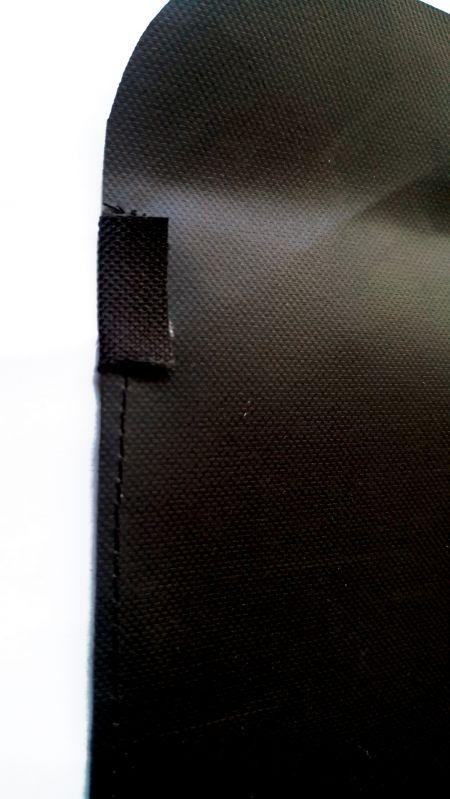 Vista posterior de costuras planas de bolsillo con capa de refuerzo ampliada