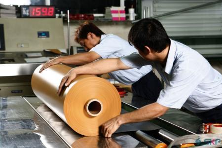 Inspecție finală și ambalare_Role de foi de PVC