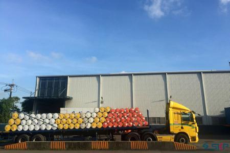 Role din foi de PVC care se încarcă livrare internă