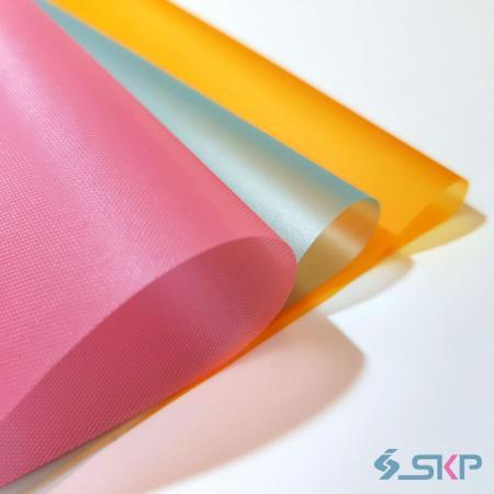 Полупрозрачная цветная пленка ПВХ - нестандартный цвет