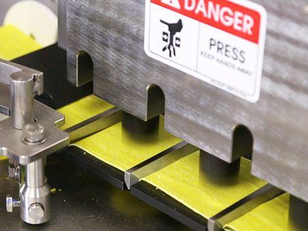 ANKO स्वचालित ट्रिपल-लाइन शुमाई मशीन भरने और काटने