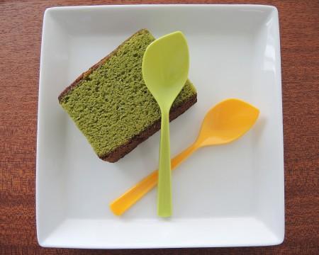 स्पंज केक के लिए पत्ता चम्मच