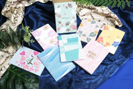دفتر يوميات للخياطة بتصميم زهور الحديقة والخيال