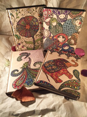 Journal de fermeture d'aimant de papier kraft de style d'art de couleur Zentangle - Journal de fermeture d'aimant de papier kraft de style d'art de couleur Zentangle