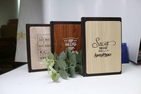 Notizbuch aus PU-Leder mit Holzmaserung
