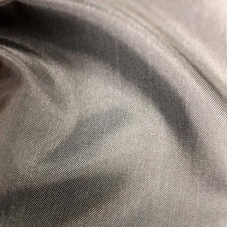 Tissu à haute ténacité avec revêtement en PU 100 % nylon 210D - Tissu à haute ténacité avec revêtement PU 100 % nylon 210 deniers.