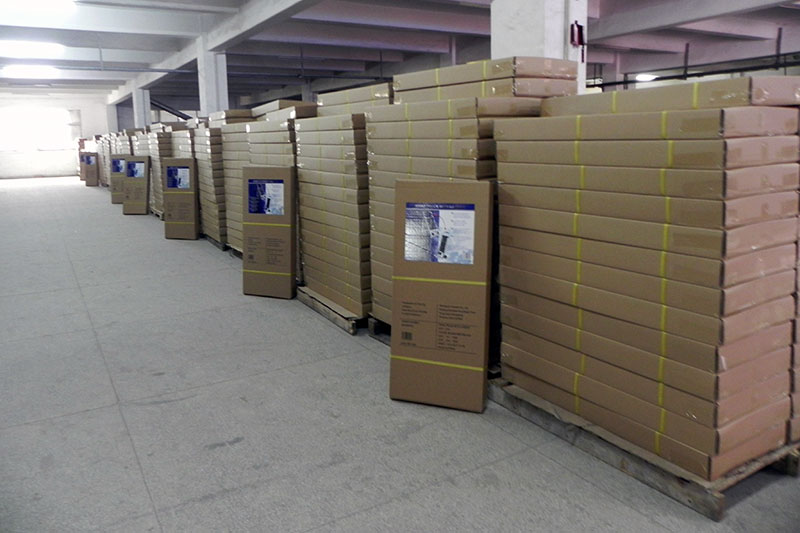 Internal final inspection before shipment.