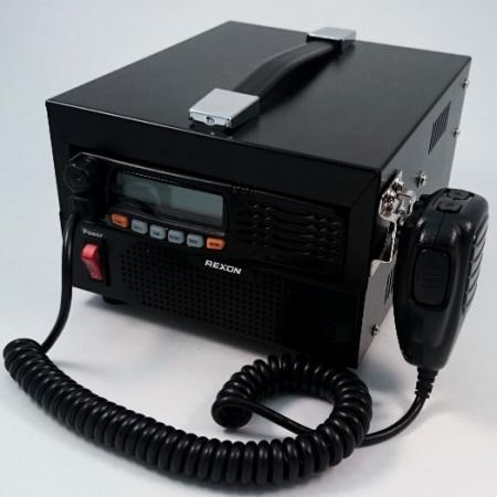 66-88MHz無線電基地台 RM03NB 左前圖