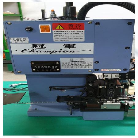 Équipement de sertissage-fabrication de bornes