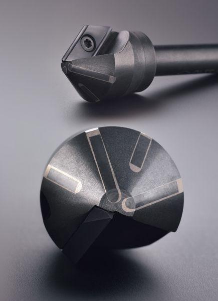 El cortador de cuerpo de tiras de carburo patentado tiene un diseño especial para soportar todas las condiciones de mecanizado inestables, especialmente en máquinas de perforación.