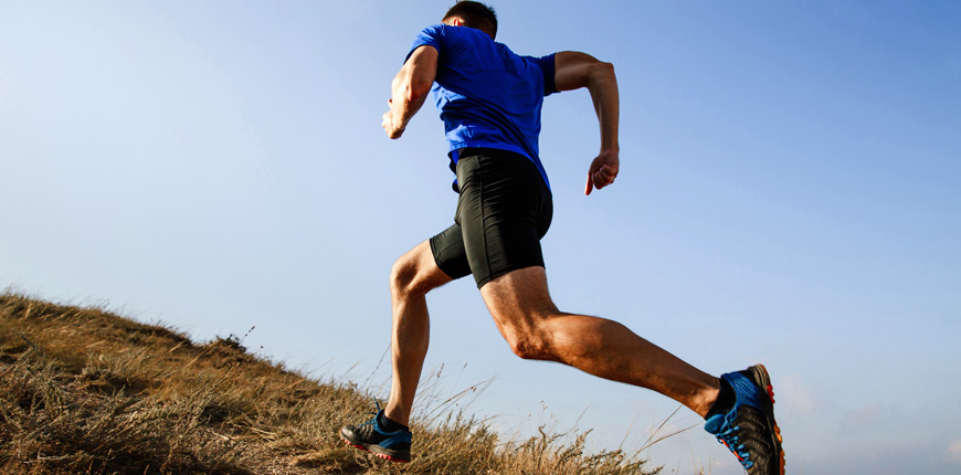 모이스처 매니지먼트 패브릭은 아웃도어 스포츠웨어와 데일리 운동에 적합합니다.