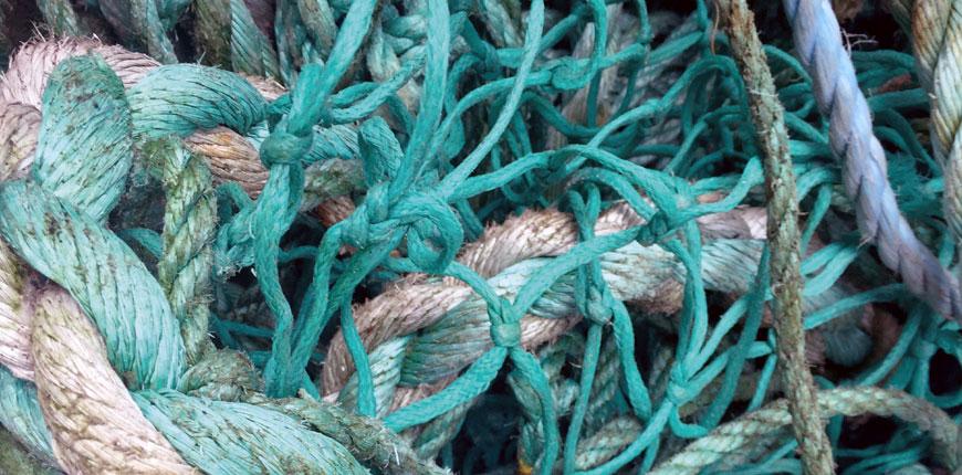 MARINYLON ™ 재활용 나일론 패브릭 시리즈는 해양 폐기물을 업 사이클합니다.