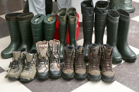 Le cuir enduit PU de Tiong Liong convient à une utilisation sur l'embout et le talon des chaussures qui nécessitent une fonction de résistance à l'abrasion.