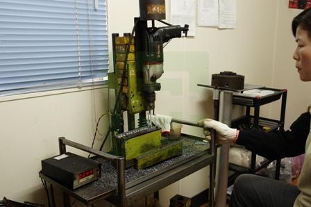 Macchine per prove di perforazione DIN 7504 - 1982