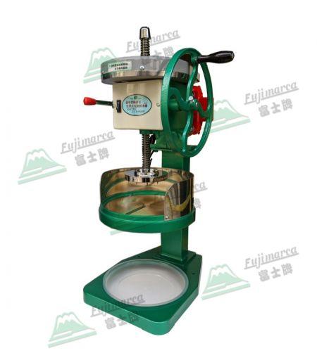 手搖電動兩用刨冰機 - 剉清冰專用 - 機動性強,支援電力不穩的環境或移動式的販售。