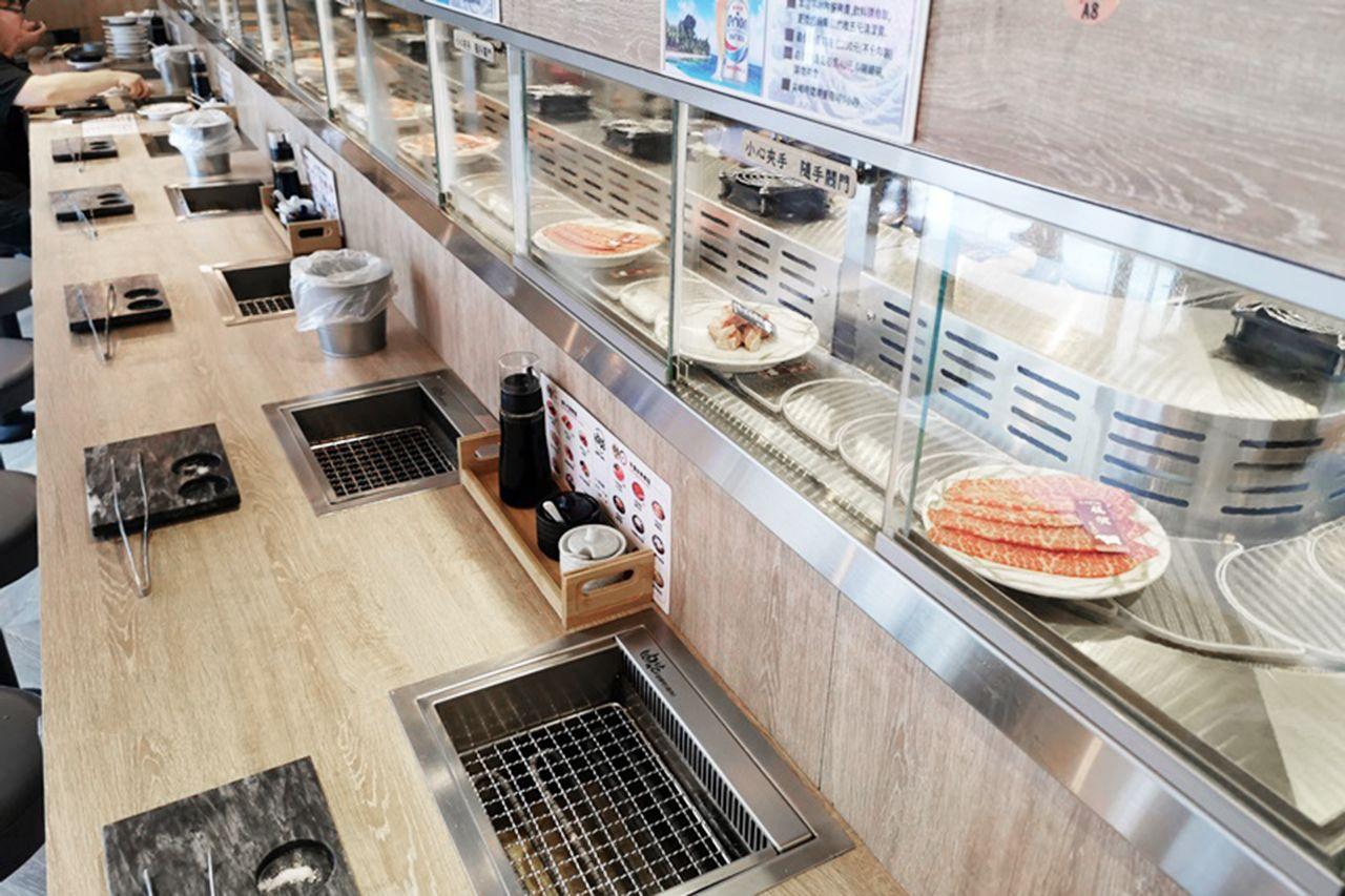 Automatiserad kylskåp Rotary Yakiniku restaurang