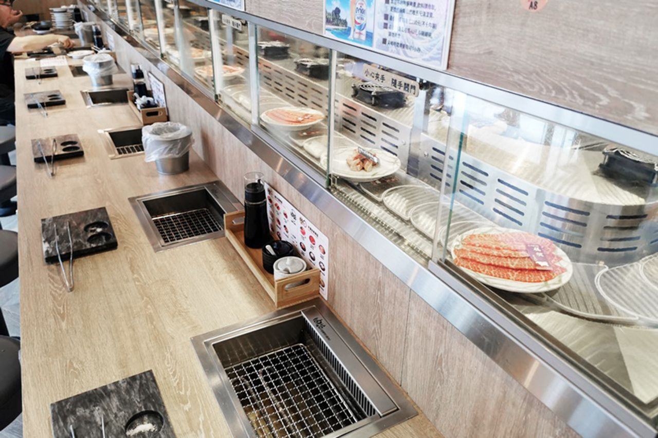 냉장 회전식 고기 전문점