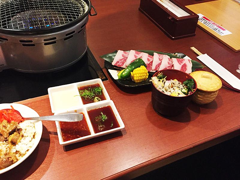 Automatic barbecue restaurant