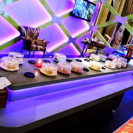 Từ tính Dây chuyền băng tải chuyển thức ăn - Băng tải Sushi cảm ứng từ tính bằng đá