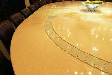 Conveyor belt Dining table