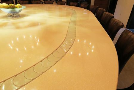 สายพานลำเลียงโต๊ะรับประทานอาหาร