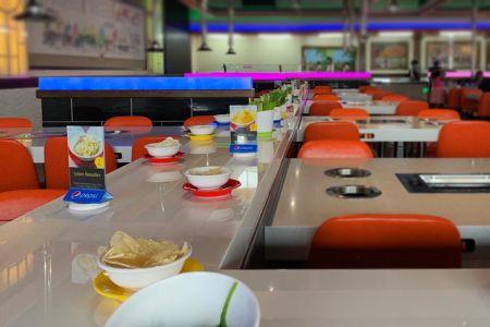 Tapis roulant magnétique pour sushis