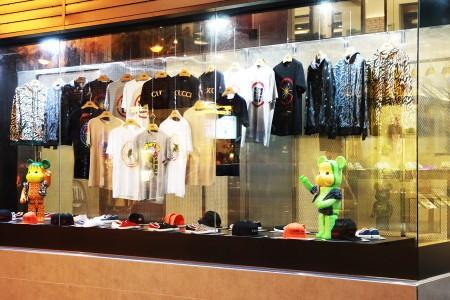 Disc Display Conveyor uses in fashion store(Taiwan)