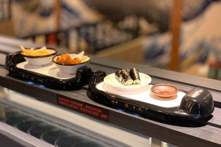 지능형 모델링 음식 배달 차를 돌리다