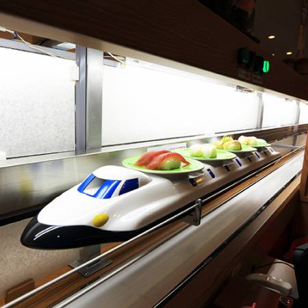 Kintarosumoto Sushi with the Hign Speed Sushi Train System.